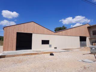 bâtiment agricole après